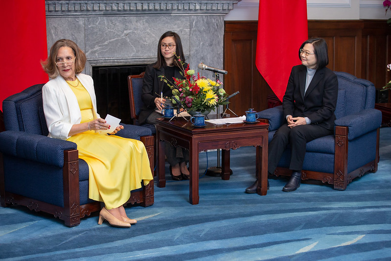President Tsai exchanges views with permanent representatives to the UN from Taiwan's diplomatic allies.