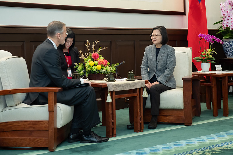 President Tsai meets with AIT Taipei Office Director William Brent Christensen.