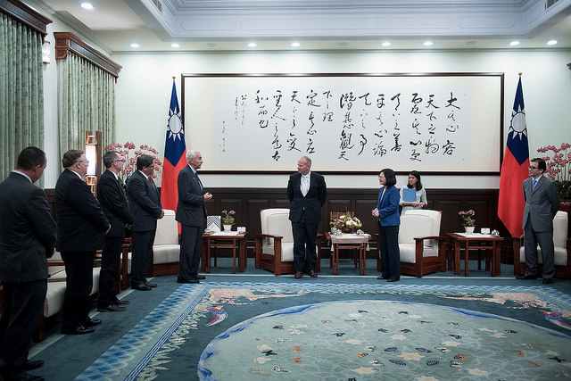 President Tsai meets with a delegation led by US Wyoming Governor Matt Mead.