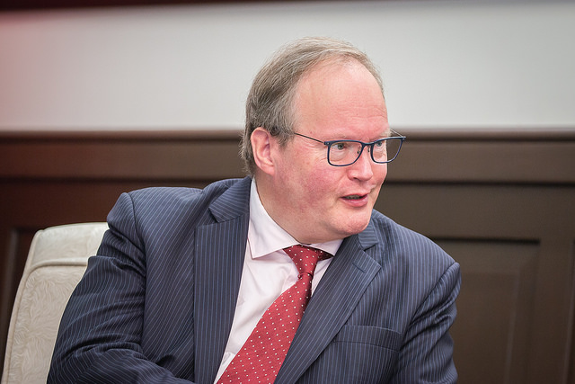 Mr. Hans van Baalen, MEP and President of the Alliance of Liberals and Democrats for Europe Party, meets with President Tsai.