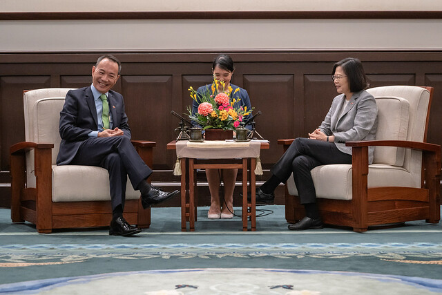 President Tsai Ing-wen meets with Belize Senate President Lee Mark Chang.