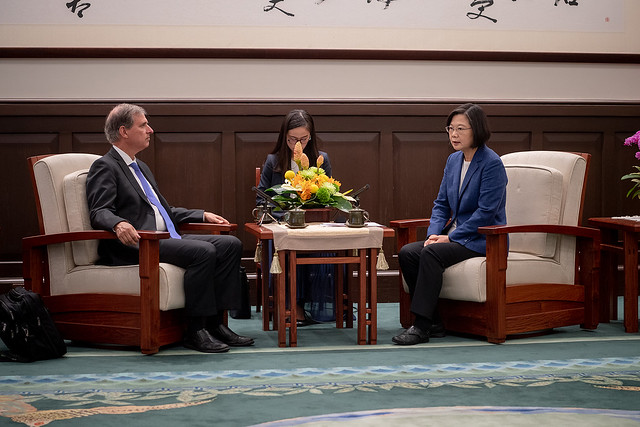 President Tsai meets with Scott Busby, Deputy Assistant Secretary in the Bureau of Democracy, Human Rights and Labor at the US Department of State.