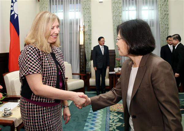 President Tsai meets with Susan Coppedge, Ambassador-at-Large of the US State Department's Office to Monitor and Combat Trafficking in Persons.