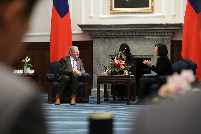 President Tsai meets with a US congressional delegation led by Senate Taiwan Caucus Co-Chair James Inhofe.