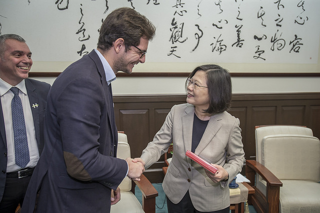 President Tsai meets with a delegation led by Jean-François Cesarini, Member of the French National Assembly.