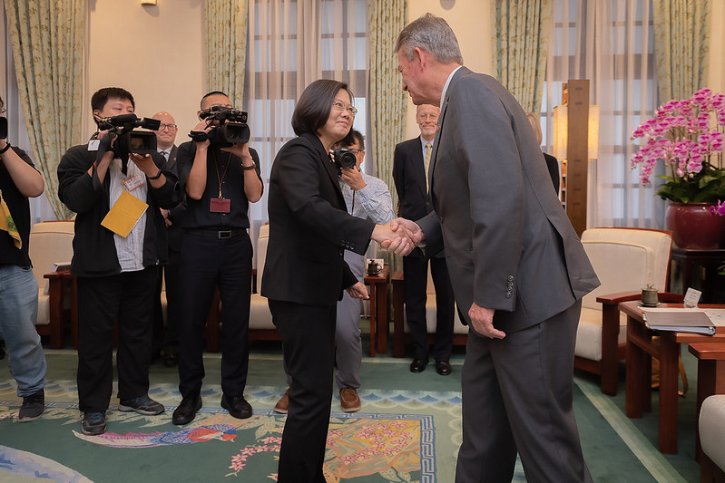 President Tsai meets with Idaho Governor Brad Little.