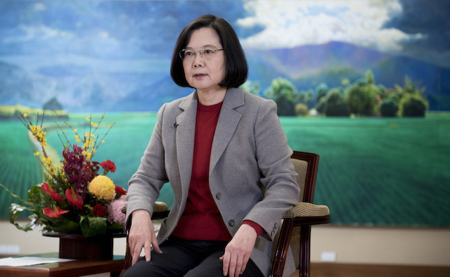 President Tsai wishes everyone a happy new year via video.