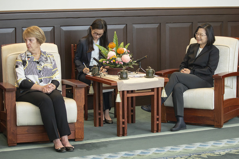 President Tsai Ing-wen meets with a delegation from National Committee on American Foreign Policy.