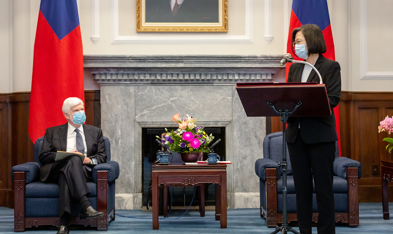 President Tsai meets with a senior US delegation sent by President Biden.