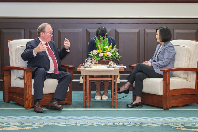 President Tsai meets with Hans van Baalen, MEP and President of the Alliance of Liberals and Democrats for Europe Party.