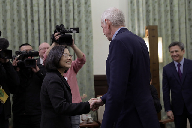 President Tsai shakes hands with American Institute in Taiwan Chairman James Moriarty.