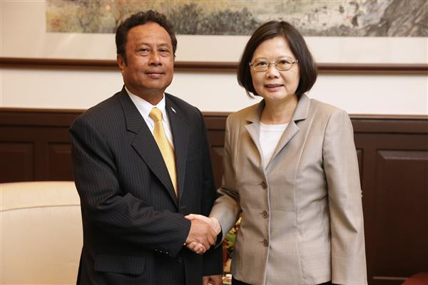 President Tsai Ing-wen meets with Palau President Tommy E. Remengesau, Jr.