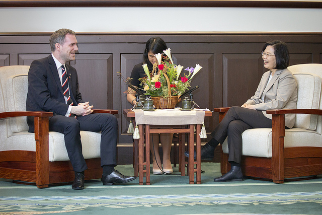 President Tsai meets with Prague Mayor Zdeněk Hřib.