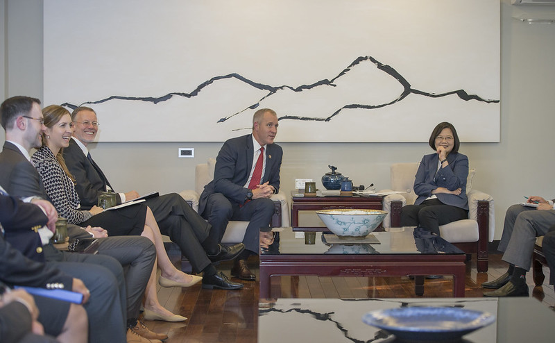 President Tsai meets with US Congressman Sean Patrick Maloney at her official residence.
