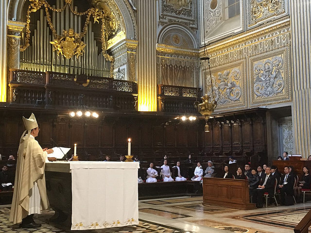Vice President Chen Chien-jen and his delegation attend a mass to pray for Taiwan and world peace at the Chapel of the Choir in St. Peter's Basilica.