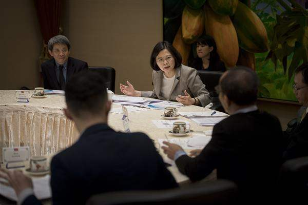President Tsai has a joint interview by The Hindu from India, Kompas from Indonesia, The Sun from Malaysia, The Philippine Daily Inquirer from the Philippines, The Straits Times from Singapore, and The Nation from Thailand.