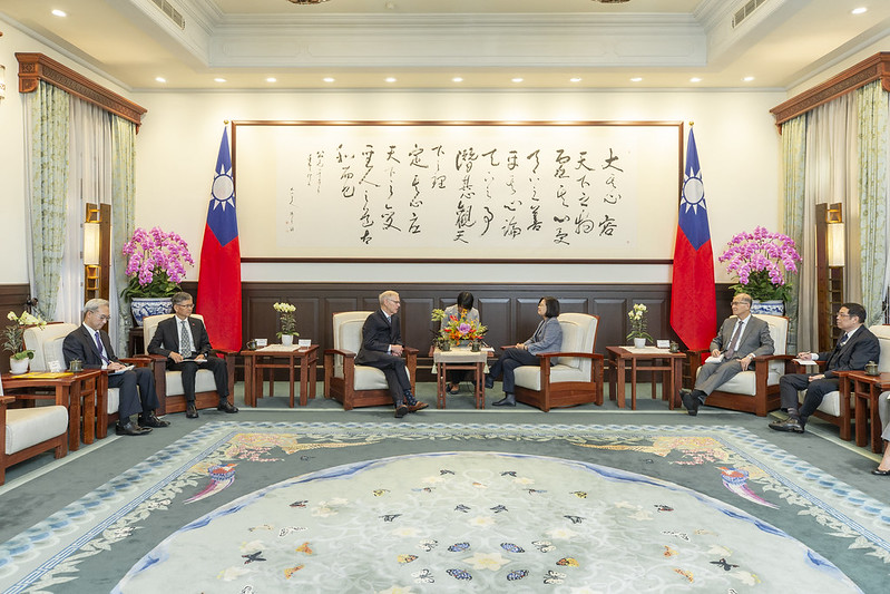 President Tsai meets with Dr. Richard Bush, Brookings Institution Chen-Fu and Cecilia Yen Koo Chair in Taiwan Studies.