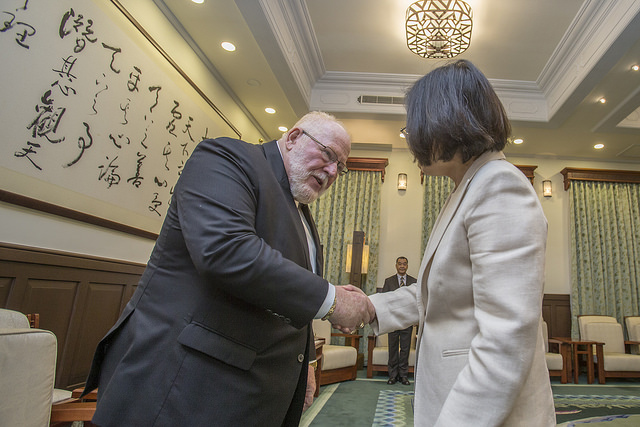 President Tsai welcomes Commander-in-Chief Keith Harman of the Veterans of Foreign Wars of the United States.