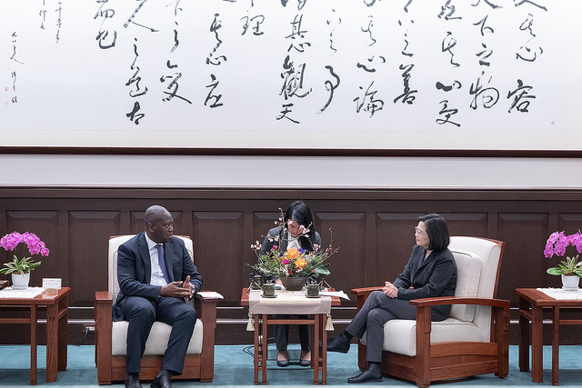 President Tsai exchanges views with permanent representatives and deputy permanent representatives to the UN from Taiwan's diplomatic allies.