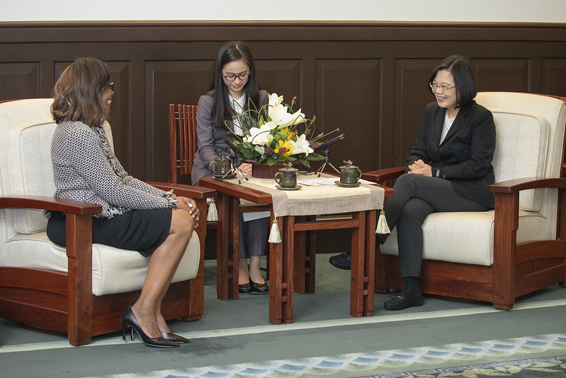 President Tsai Ing-wen meets with American Medical Association President Dr. Patrice Harris.