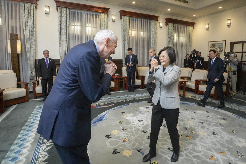 President Tsai Ing-wen meets with American Institute in Taiwan Chairman James Moriarty at the Presidential Office.