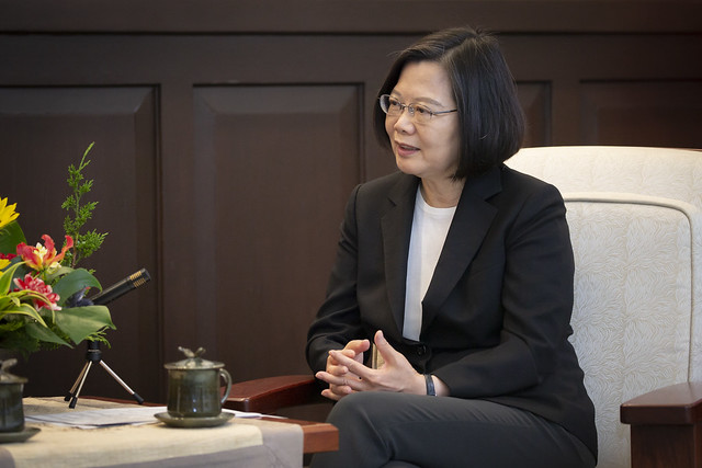 President Tsai meets with Belgian Senate President Jacques Brotchi at the Presidential Office.