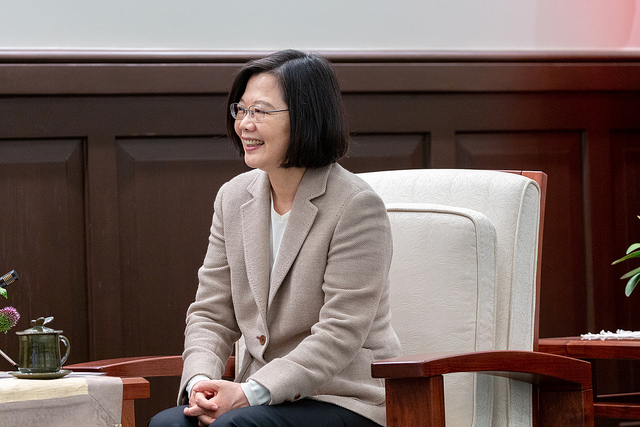 President Tsai meets with Honduran First Lady Ana García de Hernández and Ambassador to Taiwan Sierra Quesada.
