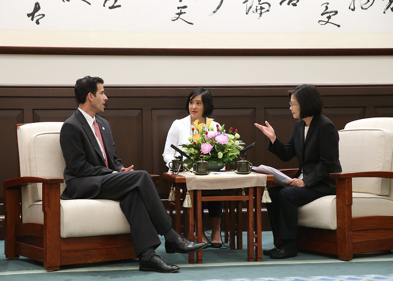 President Tsai meets with a delegation from the International Republican Institute led by President Daniel Twining.