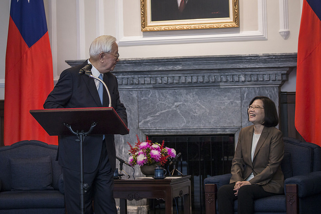 Mr. Morris Chang delivers remarks at a meeting with President Tsai.