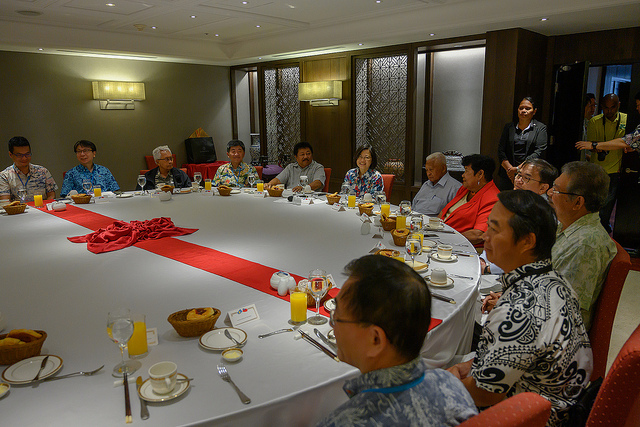 President Tsai Ing-wen attends a breakfast meeting with Palau President Remengesau and traditional leaders, conveying her appreciation to Palau government and people for their warm hospitality, and declaring that the diplomatic friendship between Taiwan and Palau will continue to grow stronger.