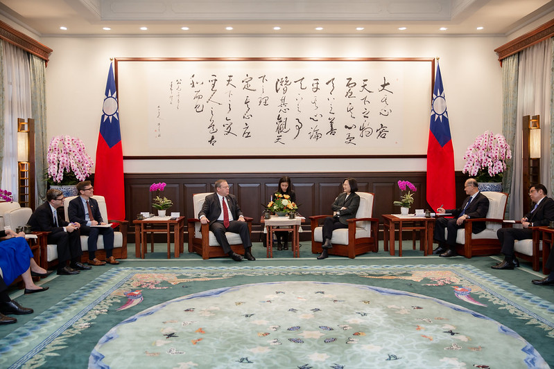 President Tsai meets with a delegation from the US Center for Strategic and International Studies.