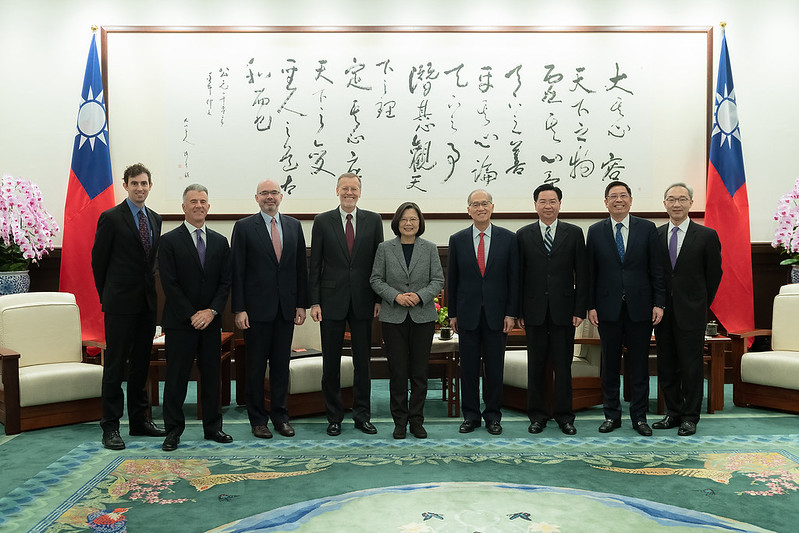 President Tsai poses for a photo with AIT Taipei Office Director William Brent Christensen.