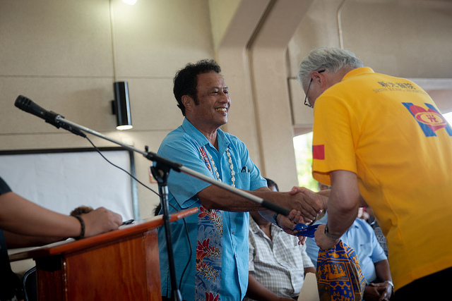 President Remengesau shakes hands with a distinguished guest.