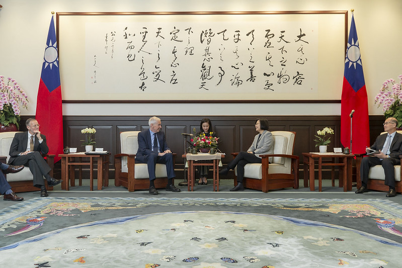 President Tsai meets with American Institute in Taiwan Chairman James Moriarty at the Presidential Office.