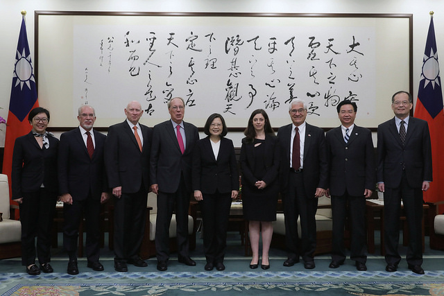 President Tsai meets with a visiting delegation from the National Committee on American Foreign Policy.