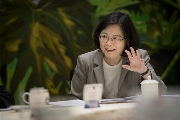 During a joint interview with journalists from six countries, President Tsai expresses hope that Taiwan will strengthen cooperation with the countries of the ASEAN and South Asia.